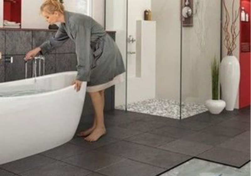 卫生间能不能装地暖?