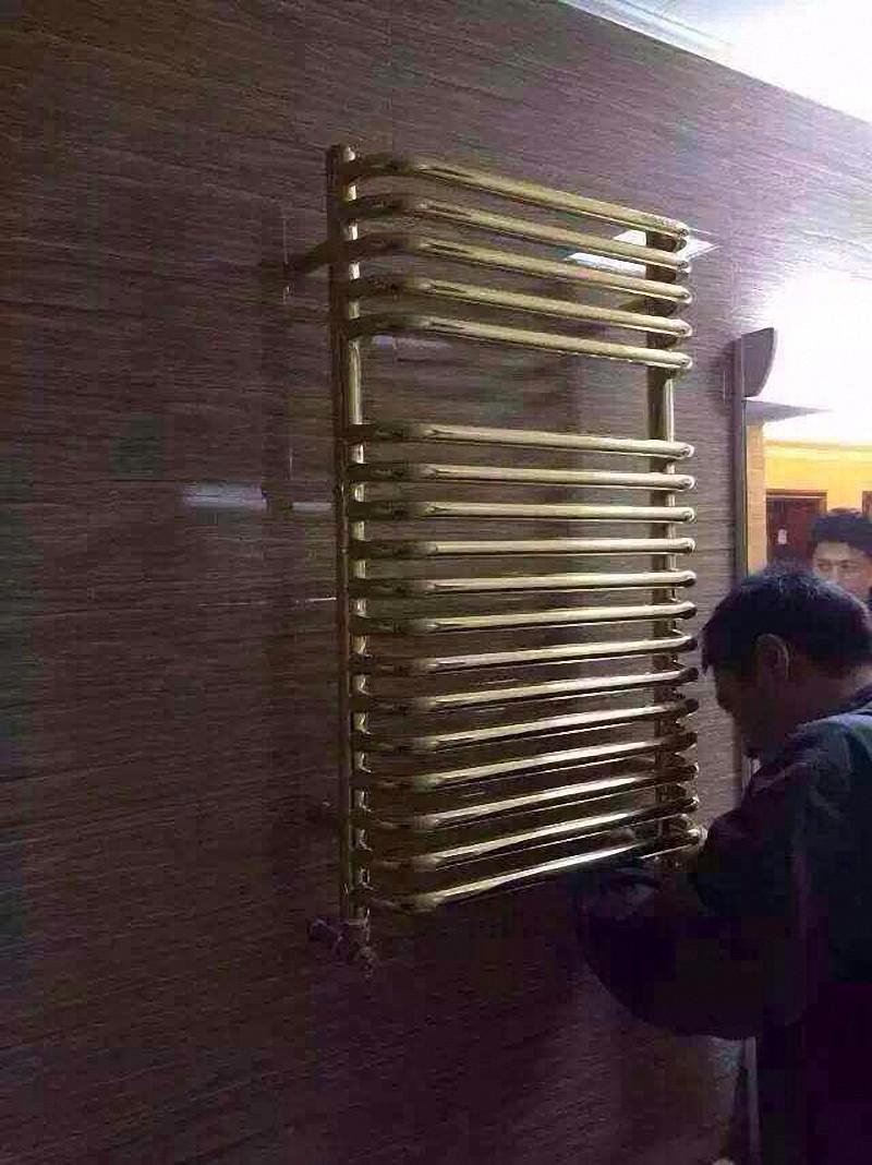 纯黄铜打造暖气片安装效果图2.jpg