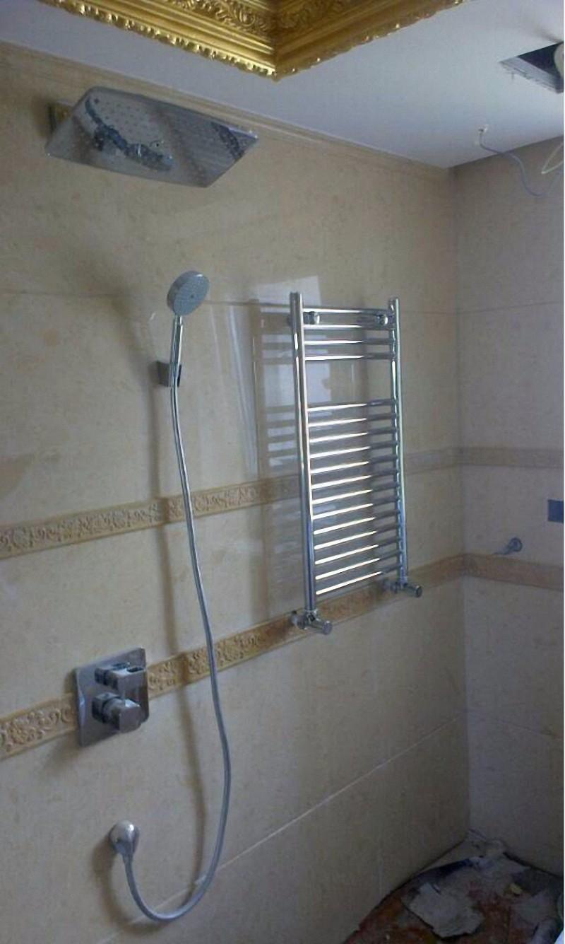 不锈钢卫浴暖气片安装效果图1.jpg