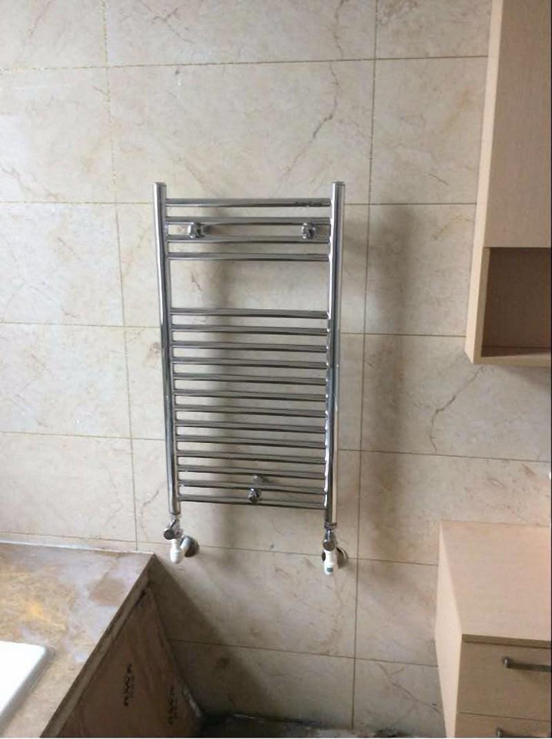 不锈钢卫浴暖气片安装效果图2.jpg
