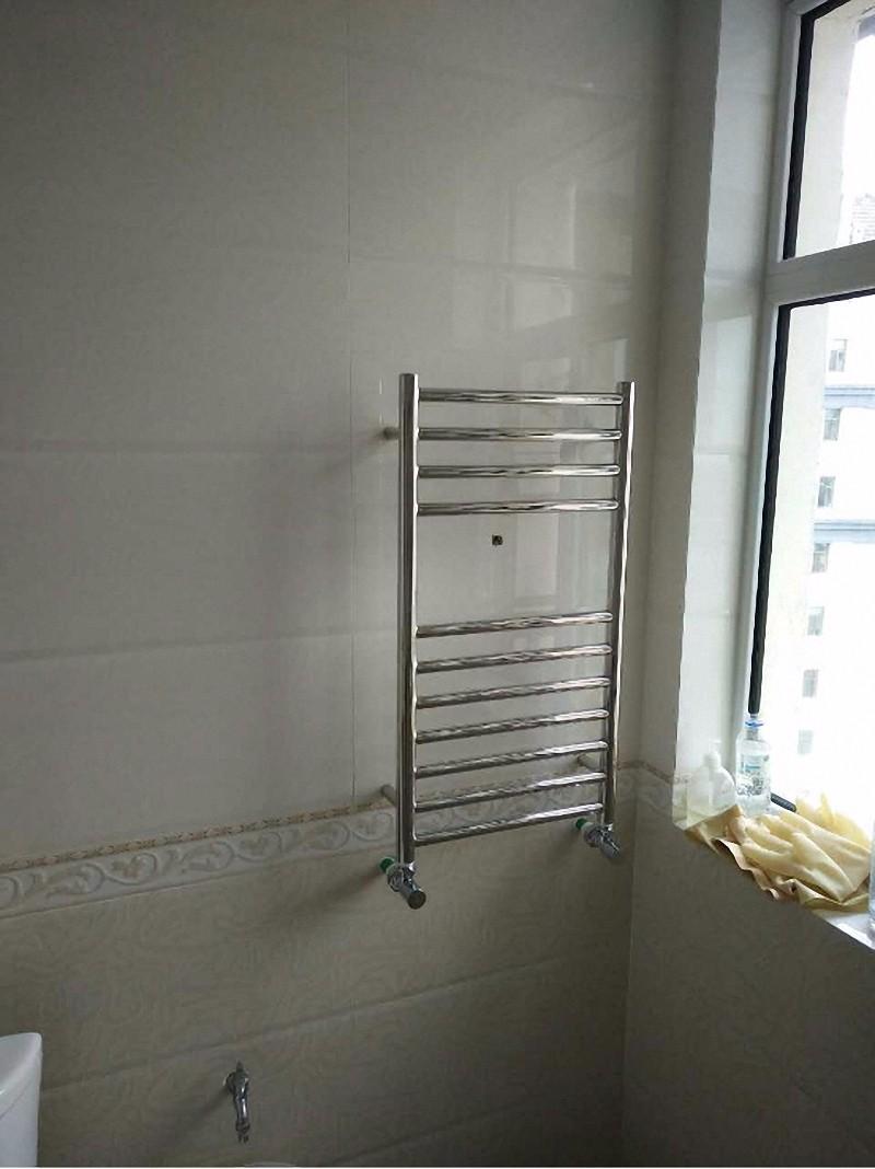 不锈钢卫浴暖气片安装效果图3.jpg